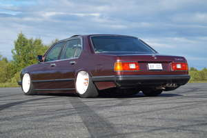 BMW 745ia