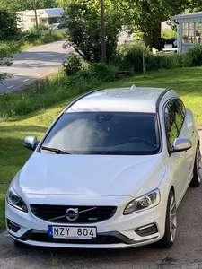Volvo V60 D3 R-Design