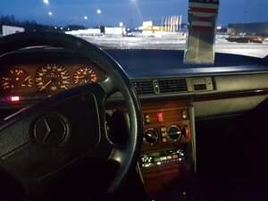 Mercedes E220T
