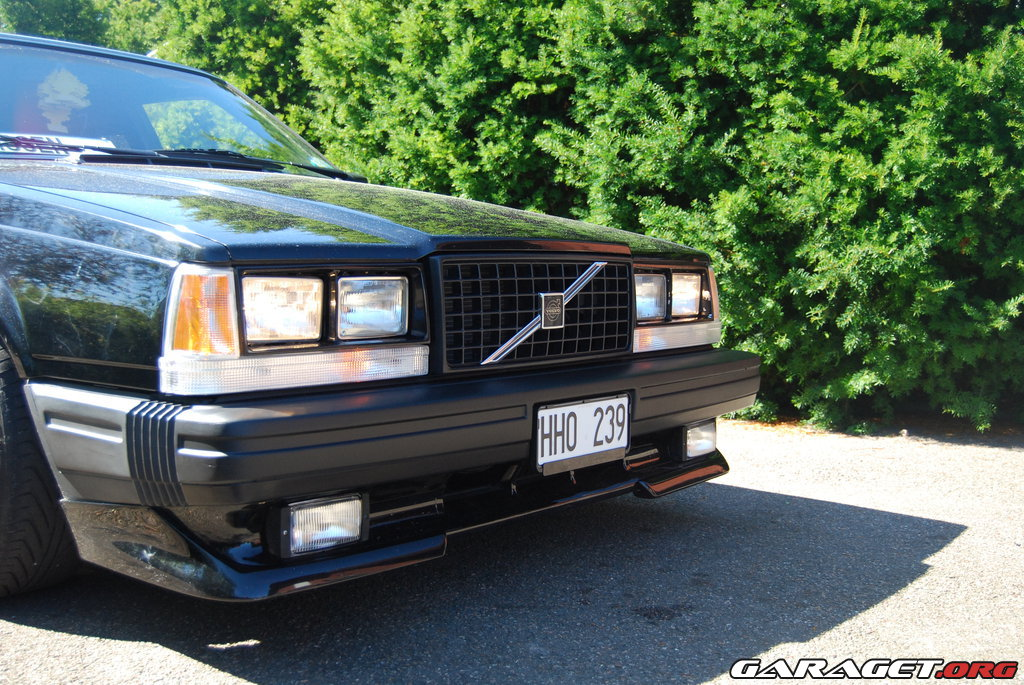 Large on 1987 Volvo 740 Gle