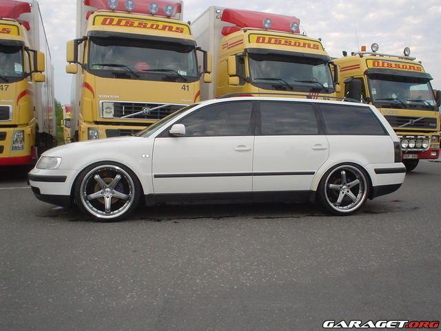 Garaget volkswagen passat variant tdi 2000 for Garage volkswagen paris 13