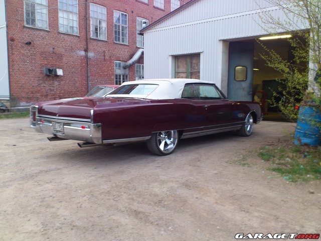 Oldsmobile ninety eight 1966 garaget for Garage auto galon