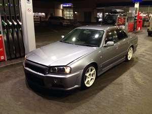 Nissan Skyline r34 gtt sedan