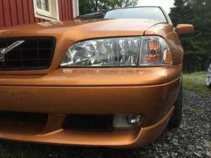 Volvo V70R Saffran