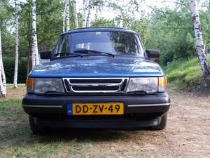 Saab 900S