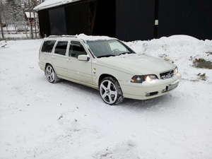 """Volvo V70 """"R"""" AWD"""