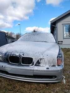 BMW E39 523i