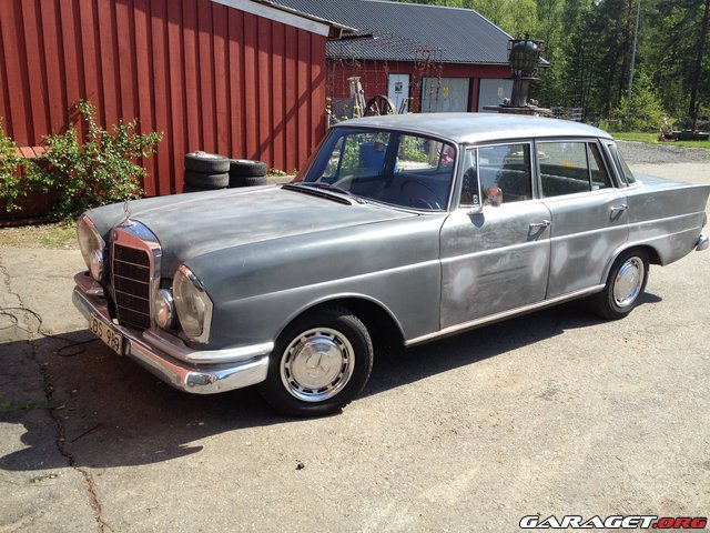 Garaget mercedes w111 1964 for Garage auto galon