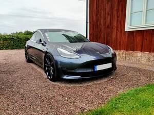 Tesla Model 3 AWD Performance