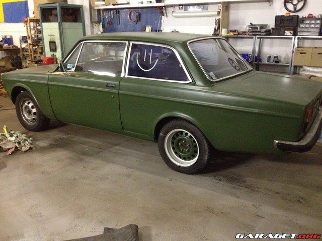 Nykomna Militärgrön färg!   Garaget XV-68