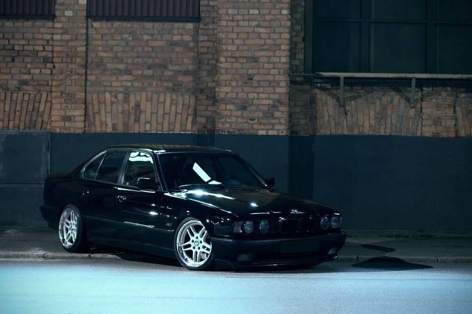 Bmw e34 1990 garaget for Garage bmw chambery 73