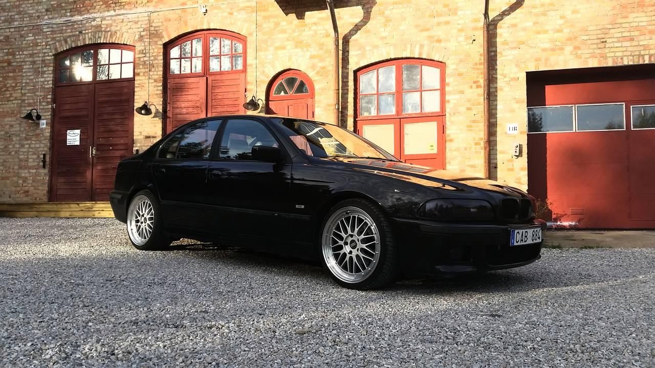 Bmw 528ia 1999 garaget for Garage bmw chambery 73