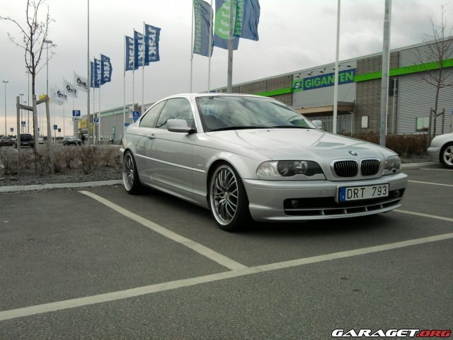 Garaget bmw 328ci 2000 for Garage bmw chambery 73