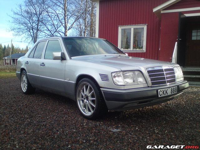 Mercedes e300 dt w124 1993 garaget for Garage mercedes auxerre 89