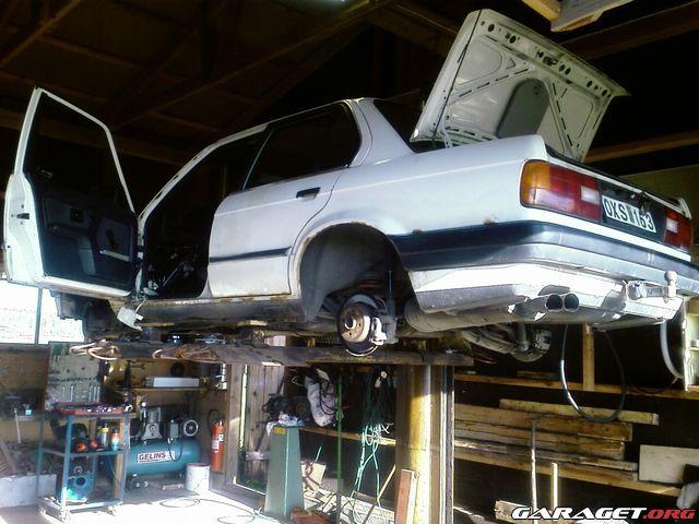 Bmw e30 320 325 update motorn urlyft garaget for Garage toyota dax